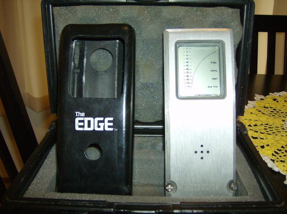 Orca EDGE the first dive computer commercially available