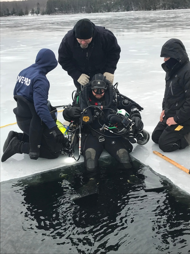 Kevin Brown achieve the deepest dive under the ice