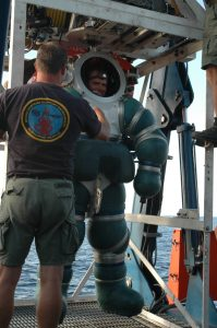 Aug. 1, 2006 - Chief Navy Diver Daniel Jackson completes a successful certification dive of the Atmospheric Diving System (ADS)