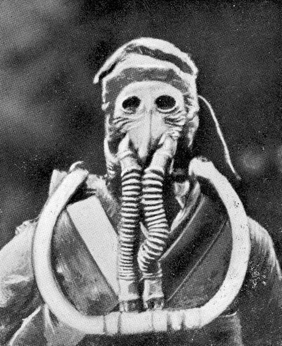 The first reliable oxygen rebreather developed by Henry Fleuss